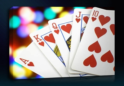What does four of a kind beat in poker