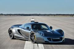 Which car set a new record for fastest car in world at Kennedy Space Centre in Florida on 25Feb2014?
