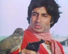Amitabh Bachchan suffered a near fatal intestinal injury during the shooting of which film?